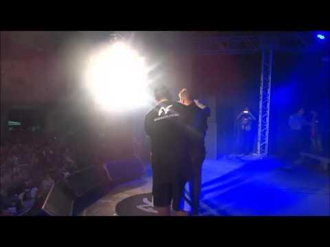 Anderson Freire canta com Policial Militar (Sargento Elias)