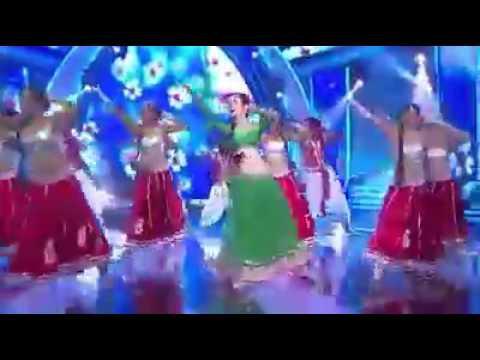 Sanaya dans