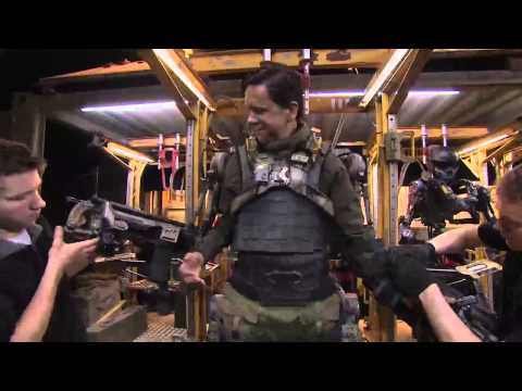 EXO suit | EDGE OF TOMORROW | Behind The Scenes with Scott Carty
