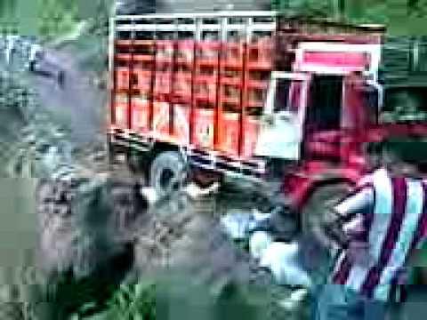 Paglajhora landslide ( Darjeeling).3gp