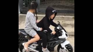 Video Boncengan Lucu Banget naik Motor BMW download MP3, 3GP, MP4, WEBM, AVI, FLV Juli 2018