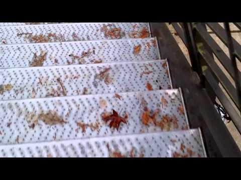 SAMSUNG ENTRO THROWN DOWN STAIRS