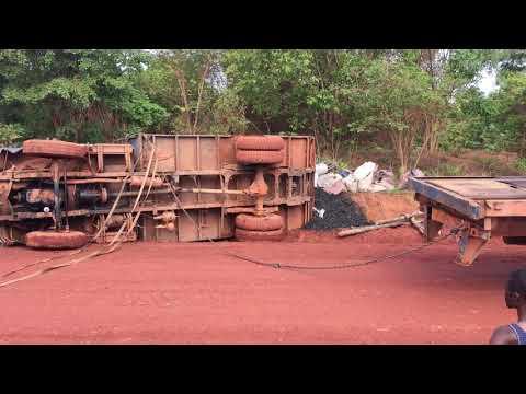 """Mercedes actross en action ( au Congo Kinshasa rdc. ). """" Les routes de l'impossible """""""