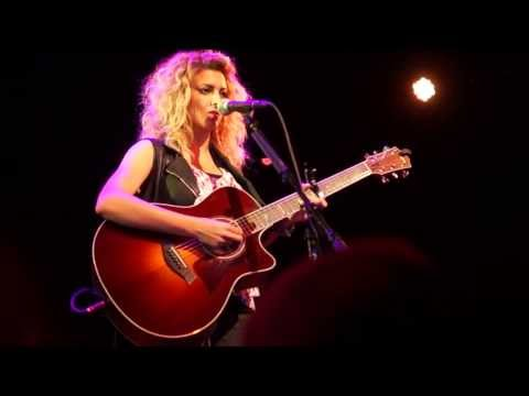 Tori Kelly - All In My Head (Live Acoustic at Lincoln Hall in Chicago)