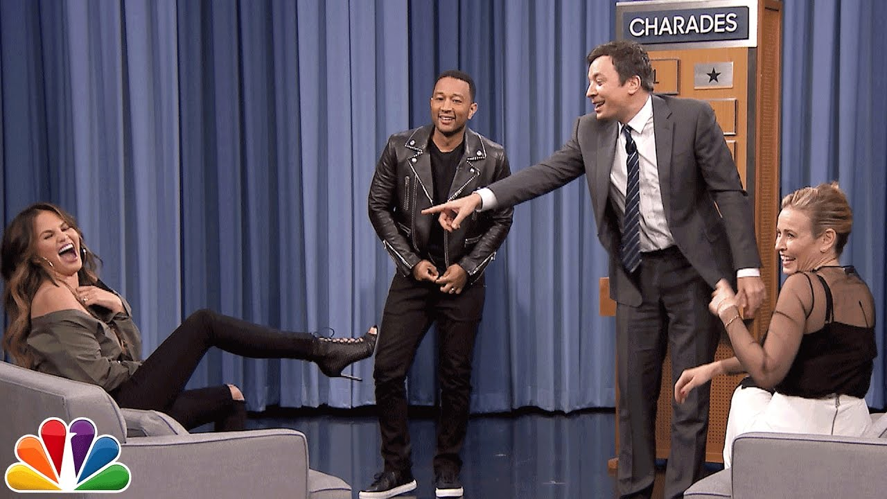 """Криси Тајген и Џон Леџенд во шоуто на Џими Фелон: """"Откопчан ти е патентот"""""""