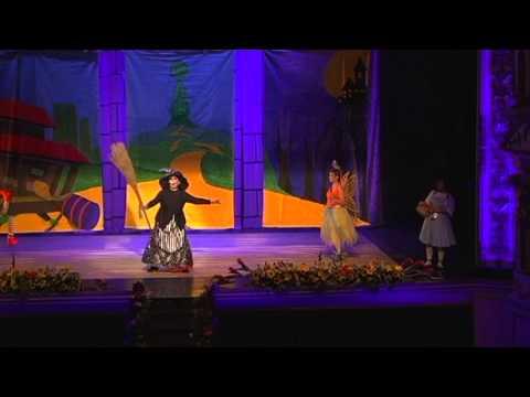 El Maravilloso Mago de OZCompaia Teatral Lola Bravo