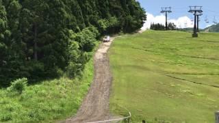 スキー場の坂道.