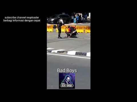 Video amatir!! Detik detik penangkapan teroris di JMP(Jembatan Merah plaza)