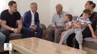 jetimat e ballkanit   dy jetima me nenen e tyre dhe me gjyshin u ben me banes te re