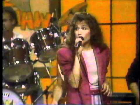 Hee Haw with Amy Grant classic clip from 1984