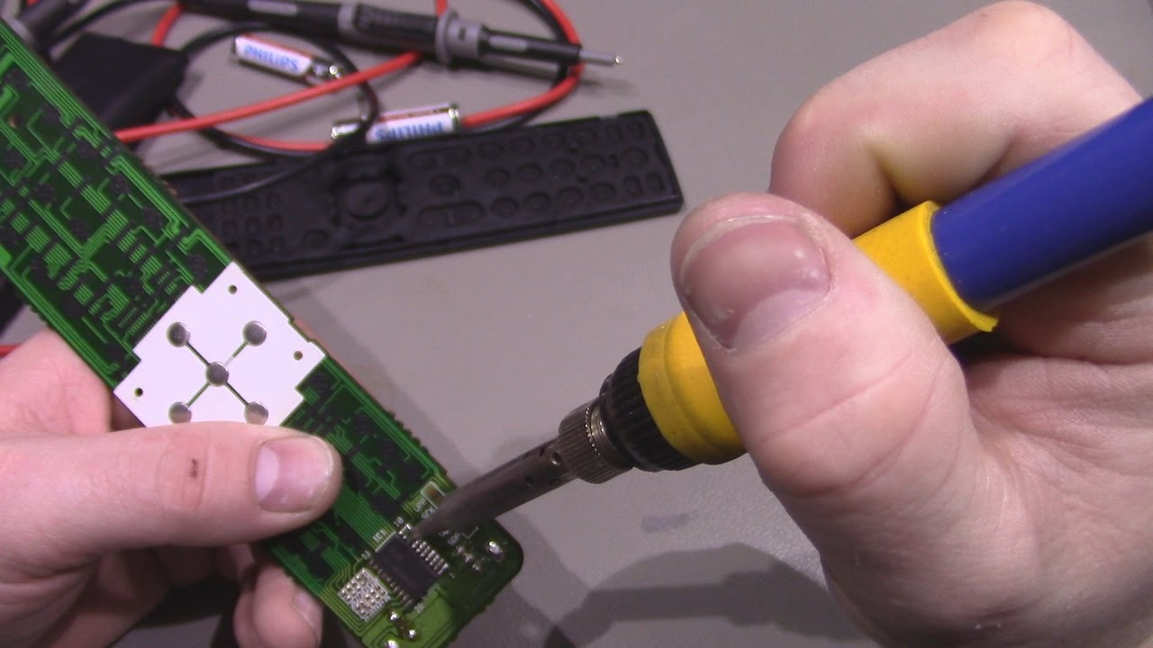 How to disassemble the remote control