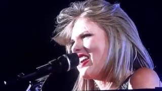 Taylor Swift - Wonderland ( Live at 1989 World Tour )