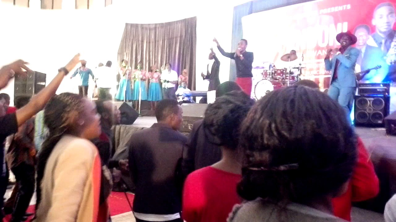 Download Poul clement live in Mbeya(1)