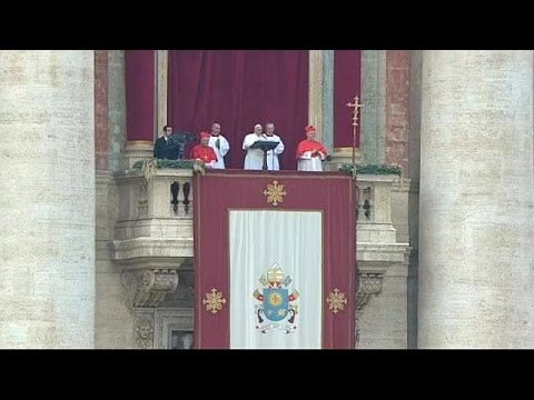 Pope Francis condemns persecution of minorities in Christmas Day address