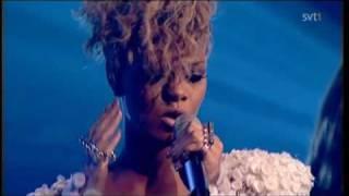 Rihanna - Russian Roulette (Live SKaVLaN 2010)