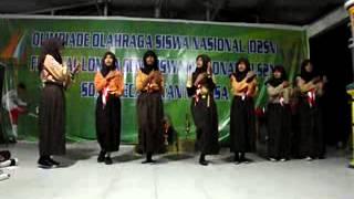 Yel yel SMP 34 Batam Putri di acara Persami SDN 008 Nongsa ...