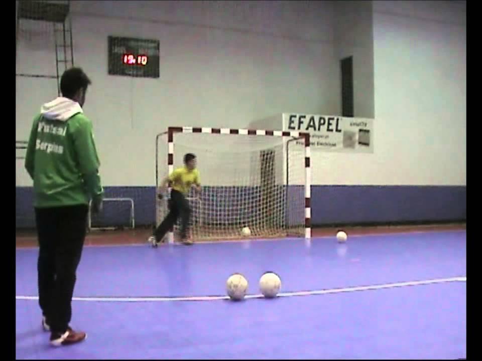 Treino de Guarda-Redes (Futsal) - YouTube 090d33b2e3f72