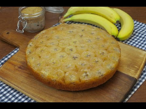 Banana and coconut Upside-down cake: an exotic dessert that tastes incredible