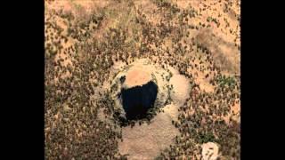 アメリカ合衆国ワイオミング州北東部に存在する巨岩。 1906年に米国初の...