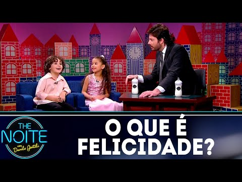 Leite Show: O que é felicidade? | The Noite (11/07/18)