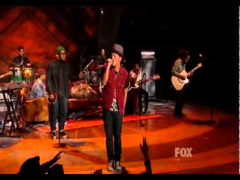 Bruno Mars live on American Idol 10 - The Lazy song