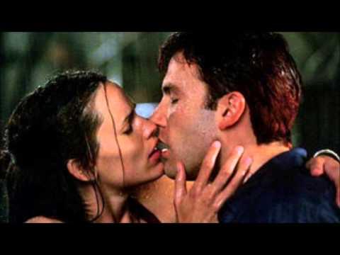 DaredevilSoundtrack: ♫ Kiss Scene ♫