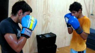 Clases de Box Gimnasio ATIX GYM : Escuela de combate dirigida - Ernesto y Gabriel