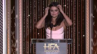 Selena Gomez presents the Hollywood Comedy Award to Amy Schumer