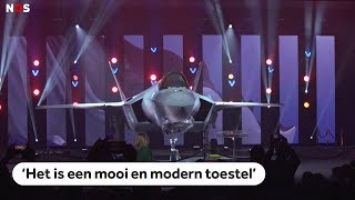 DEFENSIE: F-35 (JSF) rolt na twintig jaar feestelijk van de band