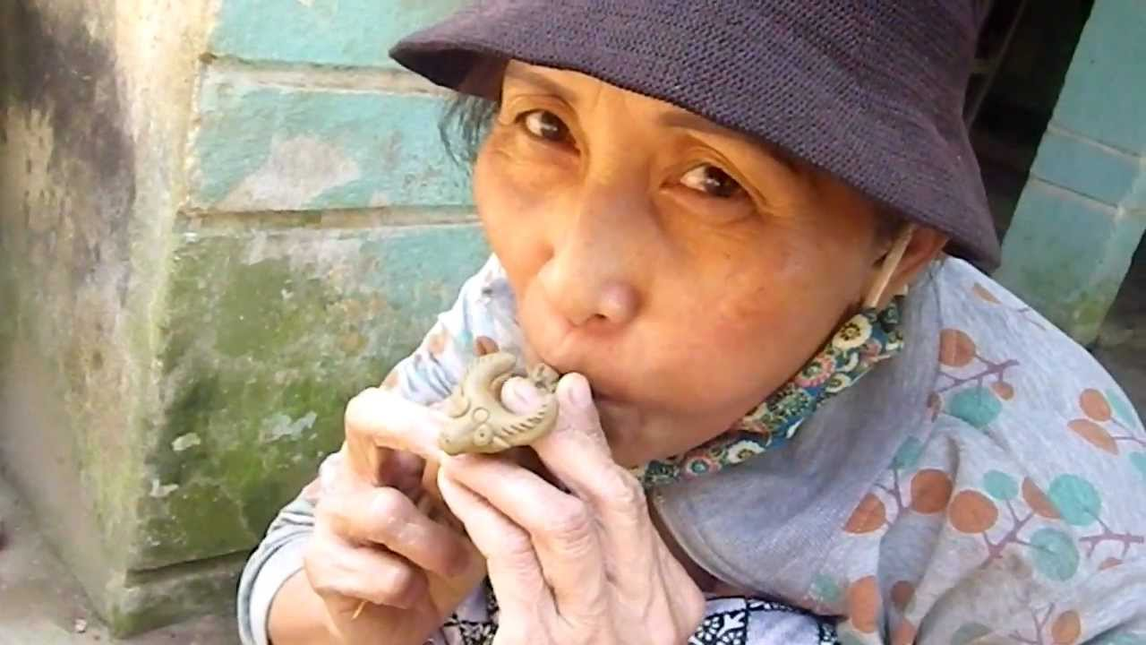 how to make a whistle out of clay
