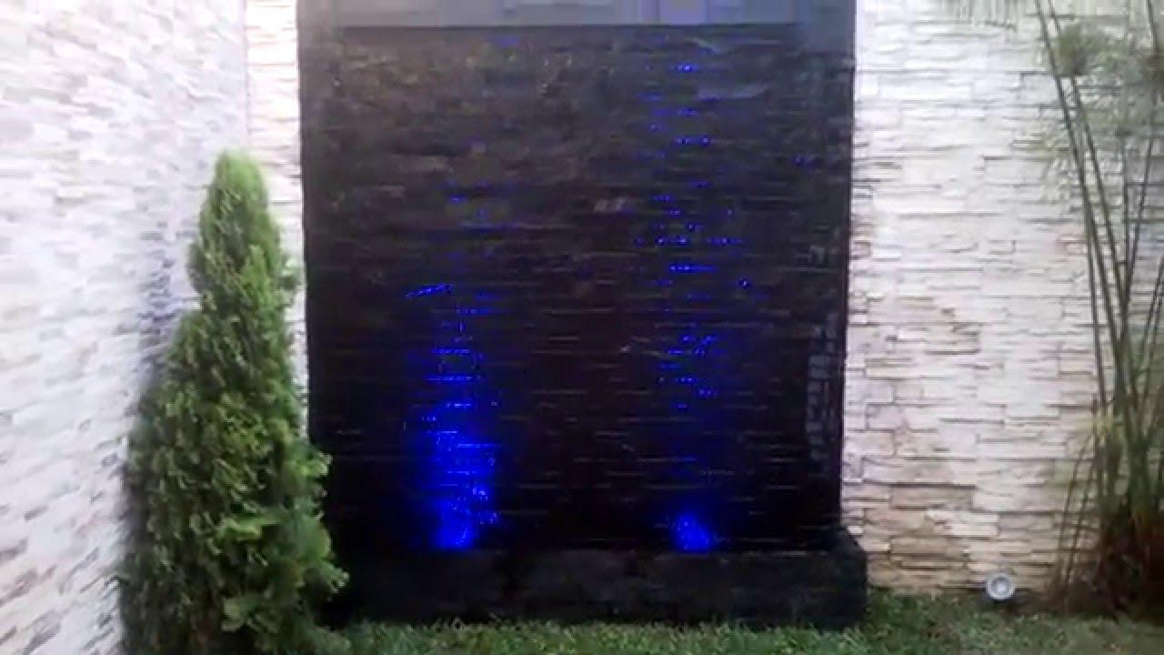 Muro lloron velo de agua piletas fuentes de agua for Estanques con cascadas de piedra