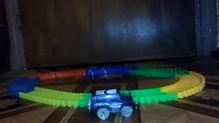 Обзор игрушки светящийся трек