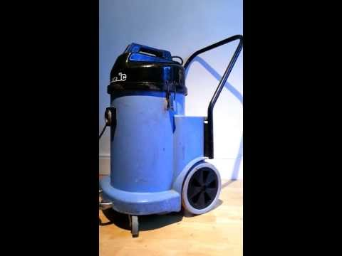 NUMATIC WVD900-2 INDUSTRIAL/COMMERCIAL WET DRY HOOVER VACUUM 110v TWIN MOTORS
