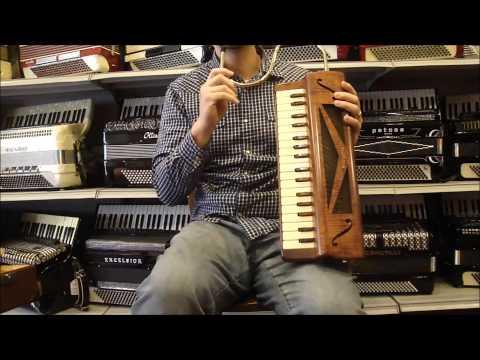VIBRAND - Victoria Wood Piano Vibrandoneon LM 34 $2995