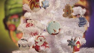 видео Новогодние украшения дома и елки, меню и рецепты своими руками