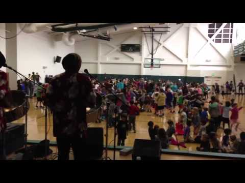 Island Rhythms Performing @ The Willows Community School Culver City Ca December 08, 2012.
