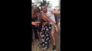Baile caliente con roce incluido thumbnail