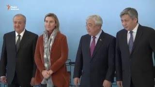 Открыв двери, заявили о демократии(Между Казахстаном и Европейским Союзом сегодня в Астане подписано новое соглашение о расширенном партнерс..., 2015-12-21T13:55:56.000Z)