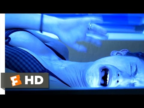 I Still Know What You Did Last Summer (1998) - Tanning Bed Terror Scene (5/10) | Movieclips