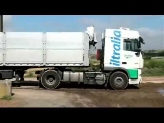 Camión con piso móvil - gran innovación en descarga -Transports Iltralia