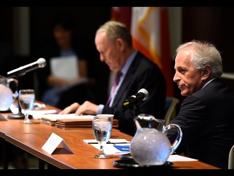 Senators Alexander and Corker attend TVA roundtable