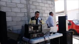 Cantante de Karaoke sorprende imitando a Cornelio Reyna --ME CAI DE LA NUBE