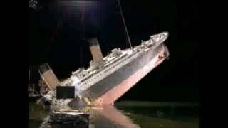 TITANIC [1997] - Break-up Miniature.mp4