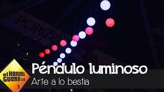 Pablo Motos sorprende a Jean Reno con un péndulo gigante - El Hormiguero 3.0
