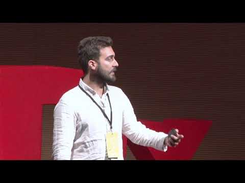 Refugees' stories through a camera lense | Orestis Seferoglou | TEDxPanteionUniversity