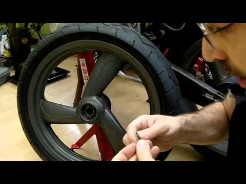 Cagiva Mito, Emergency tyre repair plug, how to while best maintaining air pressure