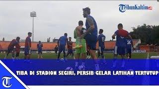 Download Video Persib Bandung Latihan Tertutup di Stadion Segiri, Jelang Laga Borneo FC vs Persib Bandung MP3 3GP MP4