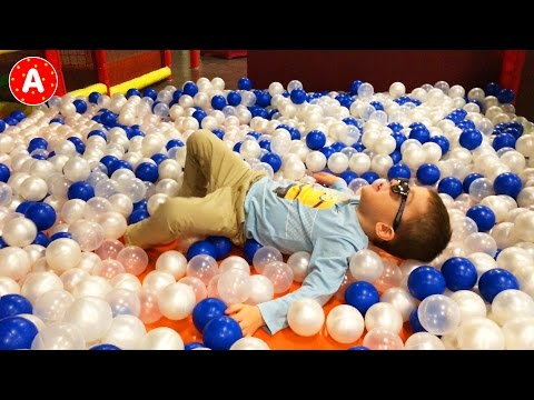 👶 Little Boy Adam Playing in the Children's Party and Entertainment Center Château d'Ice #1 👍
