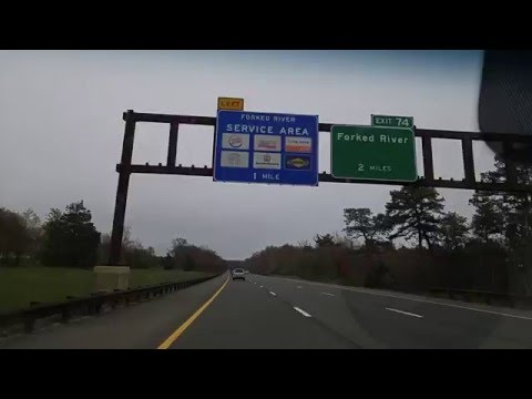 Driving on the Garden State Parkway from Toms River to Forked River,New Jersey