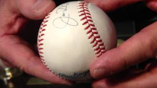 Item 15 Joe Di Maggio Autographed Official MLB Baseball